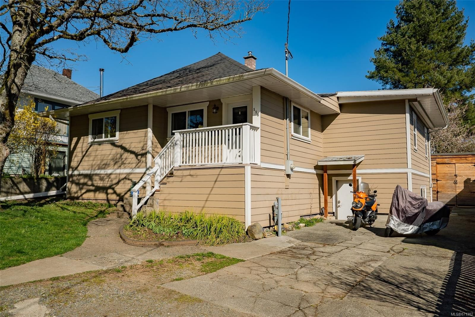 Main Photo: 118 Howard Ave in : Na University District House for sale (Nanaimo)  : MLS®# 871382