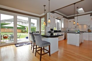 """Photo 24: 13758 21A Avenue in Surrey: Elgin Chantrell House for sale in """"CHANTRELL PARK ESTATES"""" (South Surrey White Rock)  : MLS®# F1422627"""