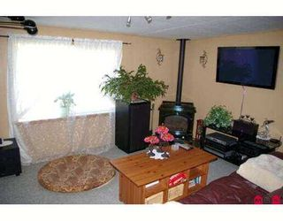 """Photo 4: 38 46511 CHILLIWACK LAKE Road in Sardis: Chilliwack River Valley Manufactured Home for sale in """"BAKER TRAIL ESTATES"""" : MLS®# H2704117"""