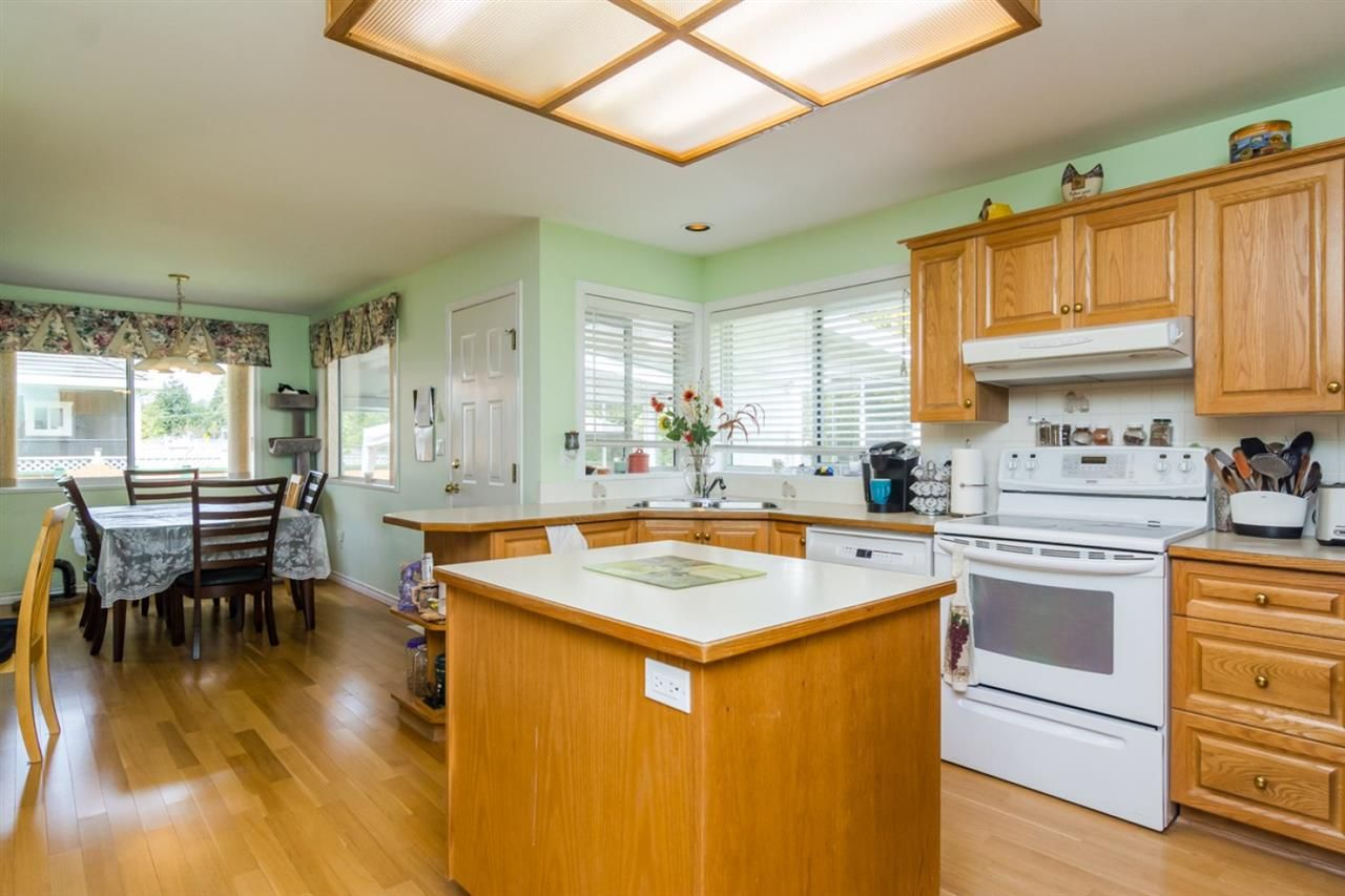 Photo 6: Photos: 15883 108TH Avenue in Surrey: Fraser Heights House for sale (North Surrey)  : MLS®# R2118938