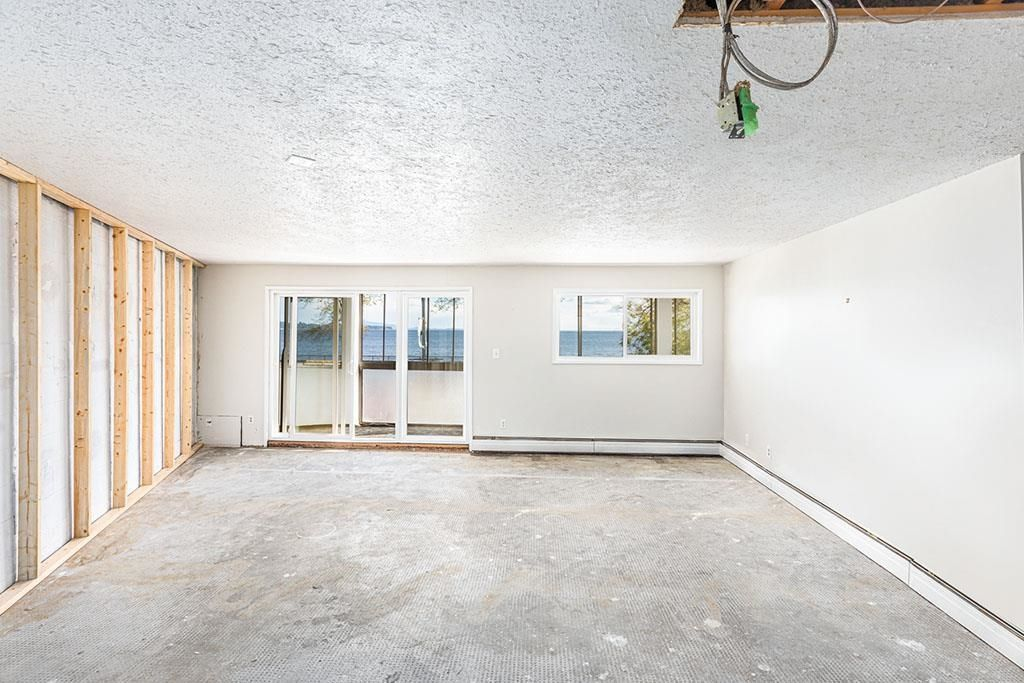 """Photo 23: Photos: 111 14881 MARINE Drive: White Rock Condo for sale in """"DRIFTWOOD ARMS"""" (South Surrey White Rock)  : MLS®# R2595780"""