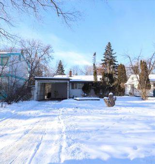 Photo 1: 70 Sandra Bay in Winnipeg: East Fort Garry Residential for sale (1J)  : MLS®# 202101829