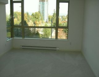 """Photo 3: 6838 STATION HILL Drive in Burnaby: South Slope Condo for sale in """"THE BELGRAVIA"""" (Burnaby South)  : MLS®# V619284"""
