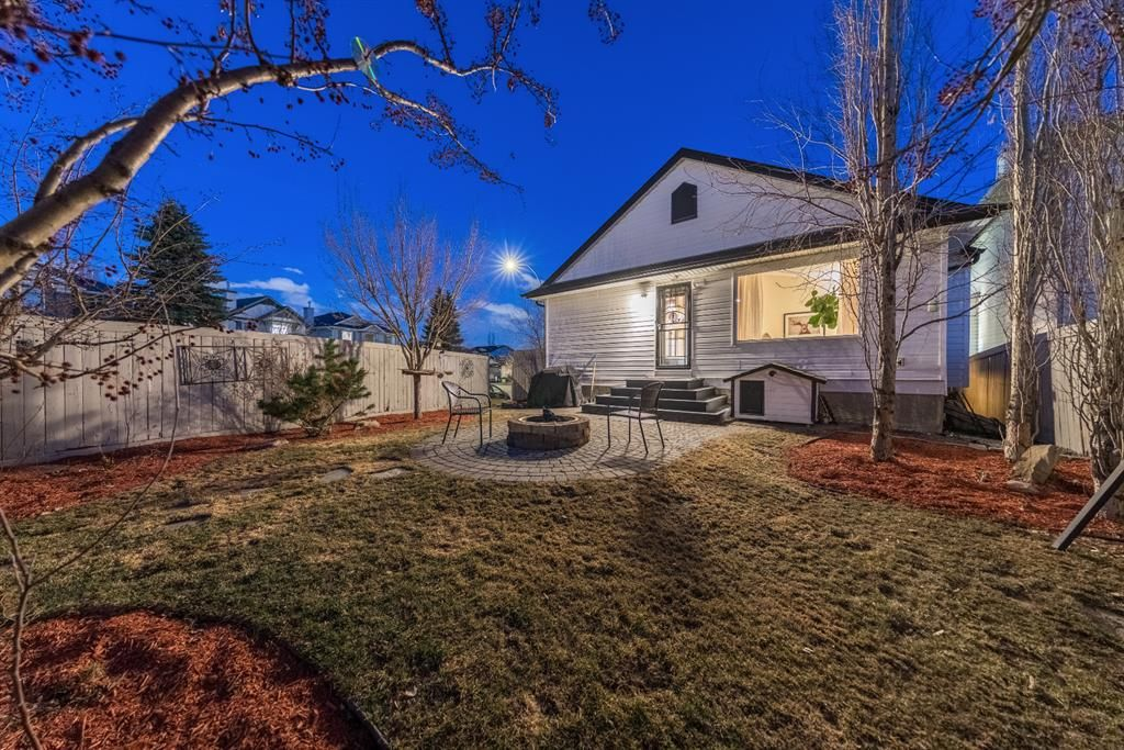 Photo 4: Photos: 42 Tuscany Hills Park NW in Calgary: Tuscany Detached for sale : MLS®# A1092297
