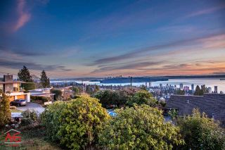 Photo 2: 1889 ORCHARD Way in West Vancouver: Dundarave House for sale : MLS®# R2022868