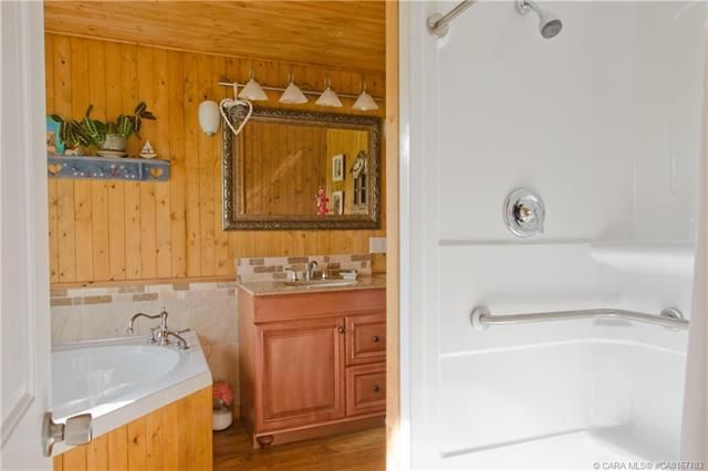 Photo 20: Photos: 70 Lakeview Avenue in Gull Lake: Residential for sale : MLS®# CA0167783