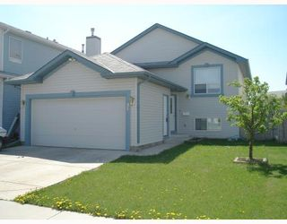 Photo 1: 132 APPLEMONT Close SE in CALGARY: Applewood Residential Detached Single Family for sale (Calgary)  : MLS®# C3330309