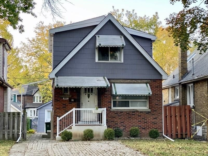Main Photo: 1106 KING Street W in Hamilton: House for sale : MLS®# H4069905