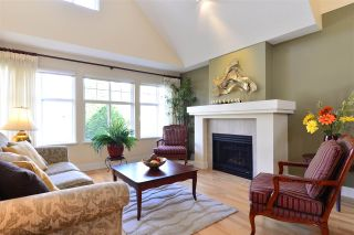 """Photo 2: 19 15450 ROSEMARY HEIGHTS Crescent in Surrey: Morgan Creek Townhouse for sale in """"Carrington"""" (South Surrey White Rock)  : MLS®# R2252052"""