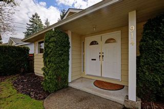 """Photo 2: 914 RUNNYMEDE Avenue in Coquitlam: Coquitlam West House for sale in """"COQUITLAM WEST"""" : MLS®# R2032376"""