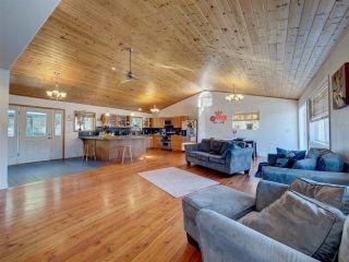 "Photo 8: 5918 SUNSHINE COAST Highway in Sechelt: Sechelt District House for sale in ""DOWNTOWN SECHELT"" (Sunshine Coast)  : MLS®# R2585676"