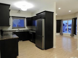 Photo 6: 114 Guenther Crescent in Warman: Residential for sale : MLS®# SK868007