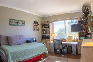 Photo 9: OCEANSIDE Twin-home for sale : 2 bedrooms : 1722 Lemon Heights Drive