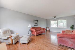 Photo 4: 2422 37th Street West in Saskatoon: Westview Heights Residential for sale : MLS®# SK866838