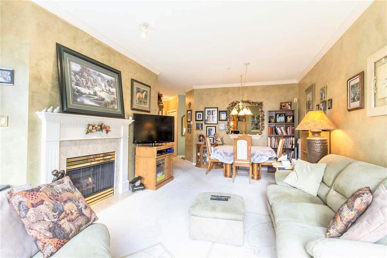 "Photo 4: Photos: 317 3098 GUILDFORD Way in Coquitlam: North Coquitlam Condo for sale in ""MARLBOROUGH HOUSE"" : MLS®# R2141555"