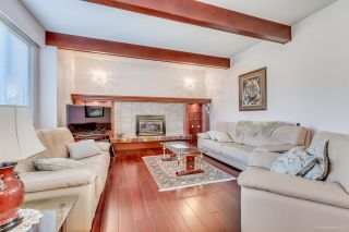 Photo 2: 992 KINSAC STREET in Coquitlam: Coquitlam West House for sale : MLS®# R2032889