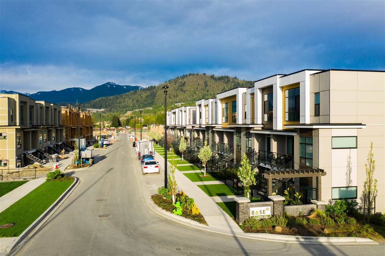 Main Photo: 201 46150 THOMAS Road in Chilliwack: Sardis West Vedder Rd Townhouse for sale (Sardis)  : MLS®# R2586085