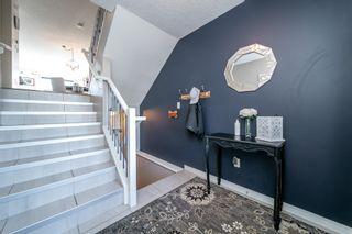 Photo 2: 2325 73 Street Street SW in Edmonton: House for sale : MLS®# E4258684