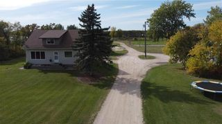 Photo 2: 33058 216 Highway South in Kleefeld: R16 Residential for sale : MLS®# 202124082