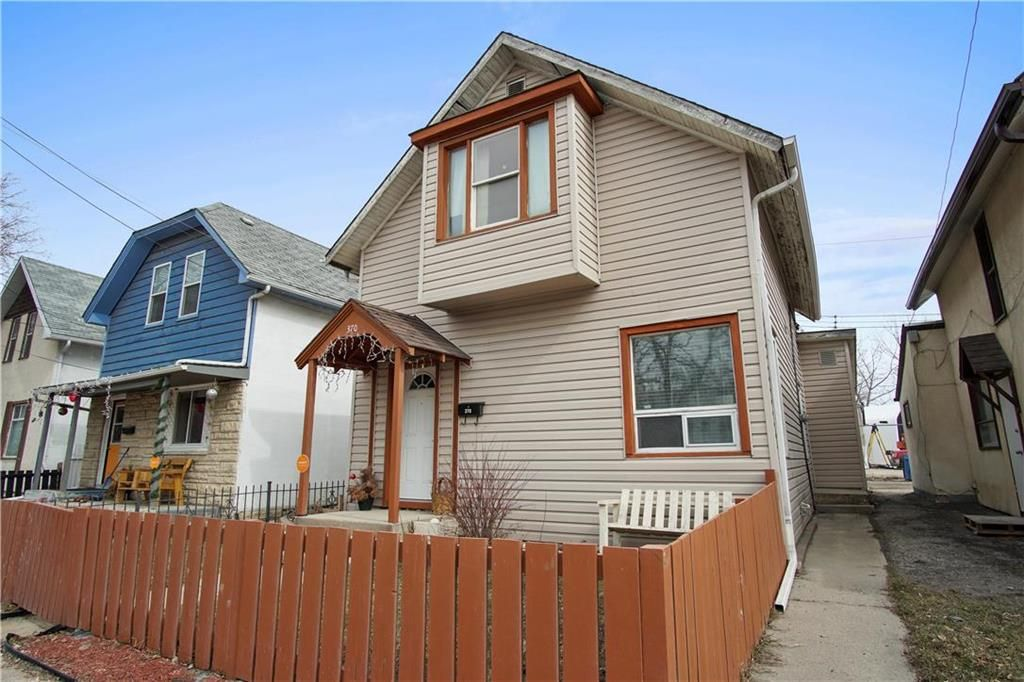 Main Photo: 370 Des Meurons Street in Winnipeg: St Boniface Residential for sale (2A)  : MLS®# 202107498