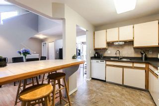 Photo 11: 201 1220 FALCON Drive in Coquitlam: Upper Eagle Ridge Townhouse for sale : MLS®# R2152362