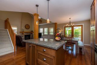 """Photo 13: 43585 FROGS Hollow in Cultus Lake: Lindell Beach House for sale in """"THE COTTAGES AT CULTUS LAKE"""" : MLS®# R2372412"""