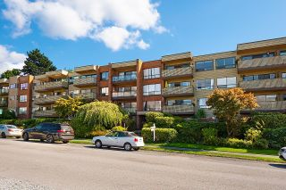 Photo 3: 402 2366 WALL Street in Vancouver: Hastings Condo for sale (Vancouver East)  : MLS®# R2624831
