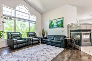 Photo 10: 64 strathlea Place SW in Calgary: Strathcona Park Detached for sale : MLS®# A1117847