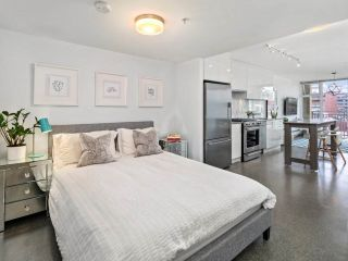 """Photo 9: 605 231 E PENDER Street in Vancouver: Strathcona Condo for sale in """"FRAMEWORK"""" (Vancouver East)  : MLS®# R2525315"""