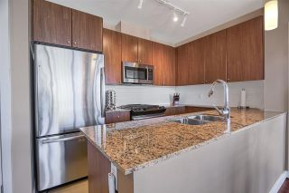 "Photo 10: 1202 280 ROSS Drive in New Westminster: Fraserview NW Condo for sale in ""The Carlyle"" : MLS®# R2396887"