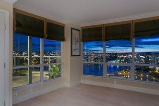 Photo 11: 2201 1328 MARINASIDE CRESCENT in Vancouver: Yaletown Condo for sale (Vancouver West)  : MLS®# R2507733