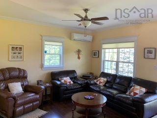 Photo 11: 5338 Little Harbour Road in Little Harbour: 108-Rural Pictou County Residential for sale (Northern Region)  : MLS®# 202121038
