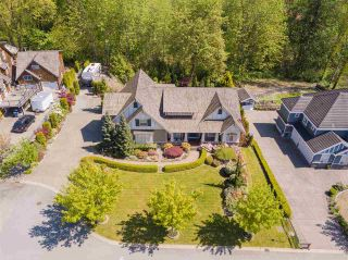 Photo 1: 7682 161 Street in Surrey: Fleetwood Tynehead House for sale : MLS®# R2385013