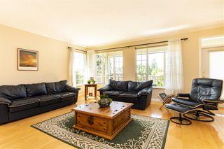 "Photo 3: 1838 HAMPTON Green in Coquitlam: Westwood Plateau House for sale in ""HAMPTON ESTATES"" : MLS®# R2389656"