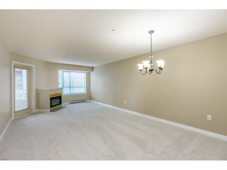 "Photo 3: 205 1569 EVERALL Street: White Rock Condo for sale in ""SEAWYND MANOR"" (South Surrey White Rock)  : MLS®# R2413623"