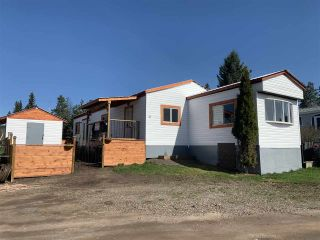 """Photo 1: 21 95 LAIDLAW Road in Smithers: Smithers - Rural Manufactured Home for sale in """"MOUNTAIN VIEW MOBILE HOME PARK"""" (Smithers And Area (Zone 54))  : MLS®# R2441463"""