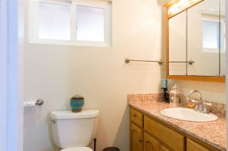 Photo 8: OCEANSIDE Twin-home for sale : 2 bedrooms : 1722 Lemon Heights Drive