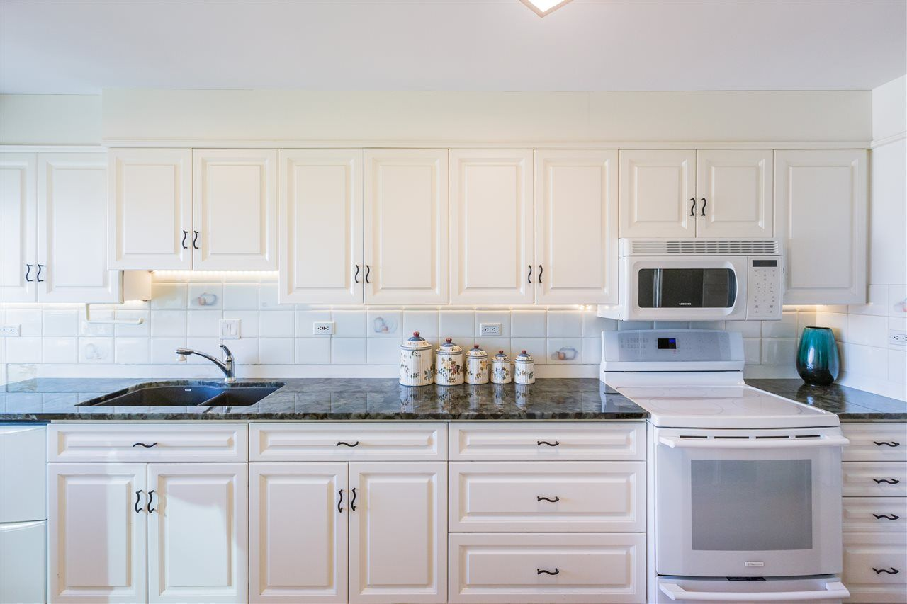 Photo 14: Photos: 1703 11920 100 Avenue in Edmonton: Zone 12 Condo for sale : MLS®# E4233731