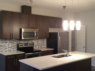Photo 7: #1608 TOWNE CENTRE BV NW in Edmonton: Zone 14 Townhouse for sale : MLS®# E4235572