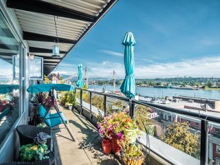 """Photo 1: 506 549 COLUMBIA Street in New Westminster: Downtown NW Condo for sale in """"C2C"""" : MLS®# R2620183"""