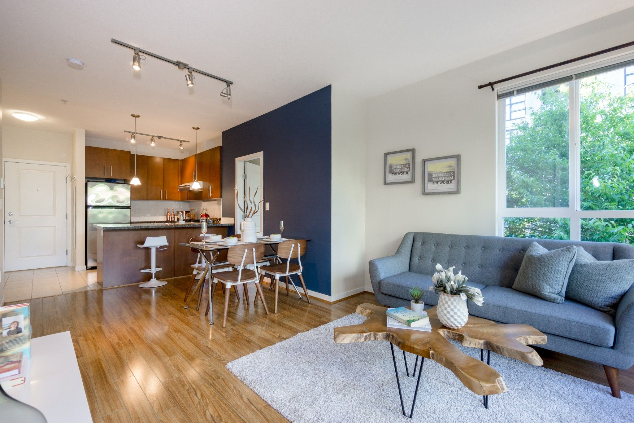 Photo 4: Photos: 208 3551 FOSTER Avenue in Vancouver: Collingwood VE Condo for sale (Vancouver East)  : MLS®# R2291555