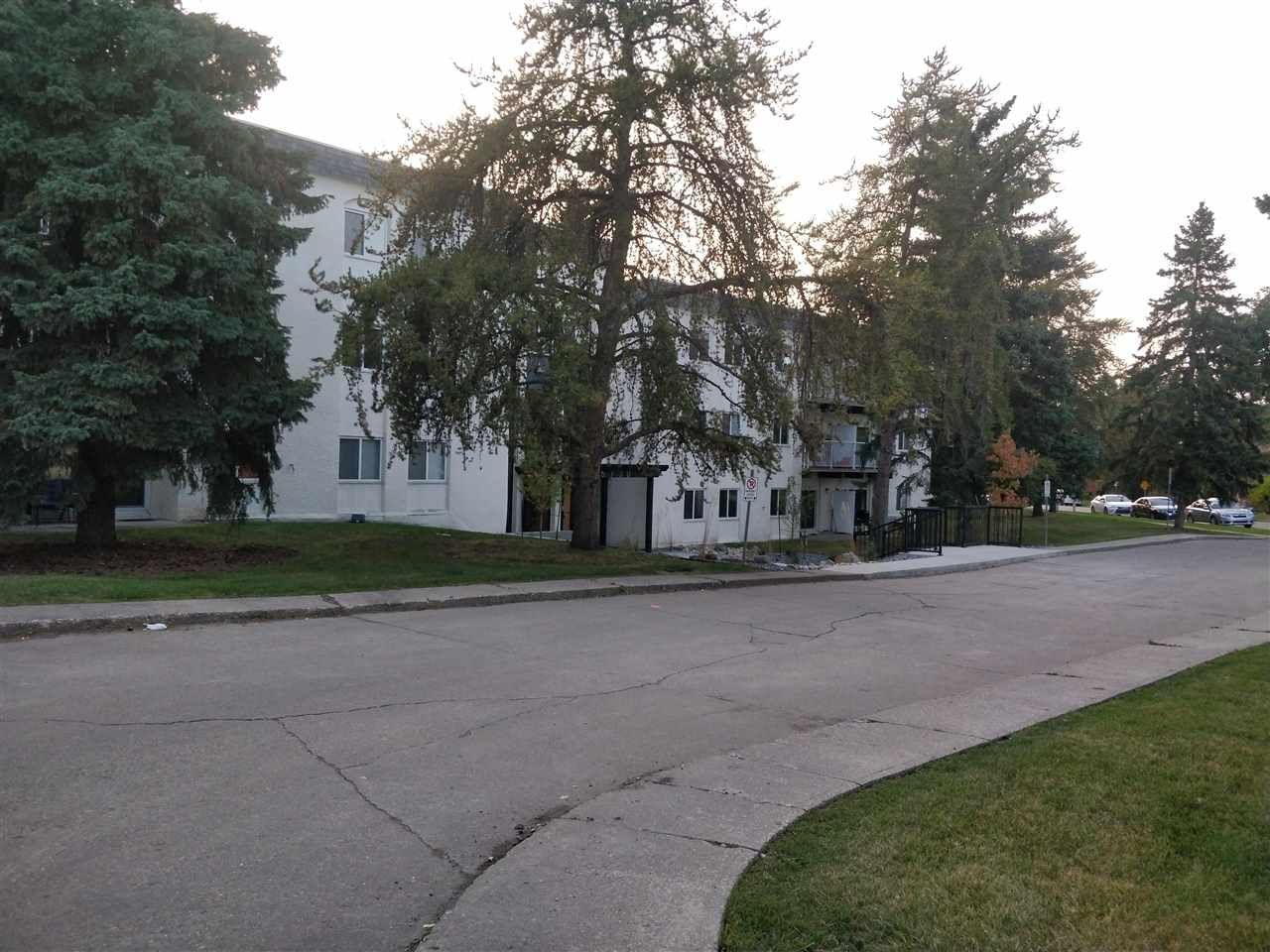 Main Photo:  in Edmonton: Zone 14 Condo for sale : MLS®# E4221640