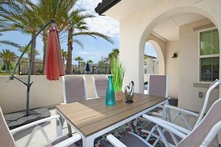 Photo 5: CHULA VISTA Townhouse for sale : 4 bedrooms : 5200 Calle Rockfish #97 in San Diego