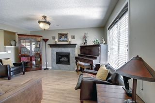 Photo 5: 690 Coventry Drive NE in Calgary: Coventry Hills Detached for sale : MLS®# A1144228