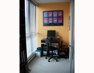 """Photo 7: 301 3438 VANNESS Avenue in Vancouver: Collingwood VE Condo for sale in """"THE CENTRO"""" (Vancouver East)  : MLS®# V654856"""