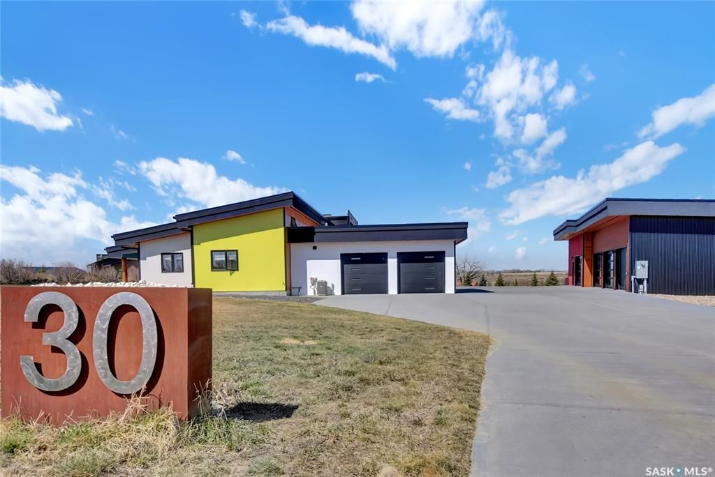 Main Photo: 30 Mustang Trail in Moose Jaw: In City Limits Residential for sale : MLS®# SK851260