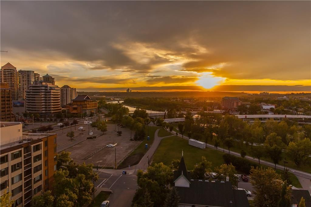 Main Photo: #1207 804 3 AV SW in Calgary: Eau Claire RES for sale : MLS®# C4287030