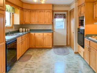 Photo 10: 2 Pinecrest Boulevard in Bridgewater: 405-Lunenburg County Residential for sale (South Shore)  : MLS®# 202109793