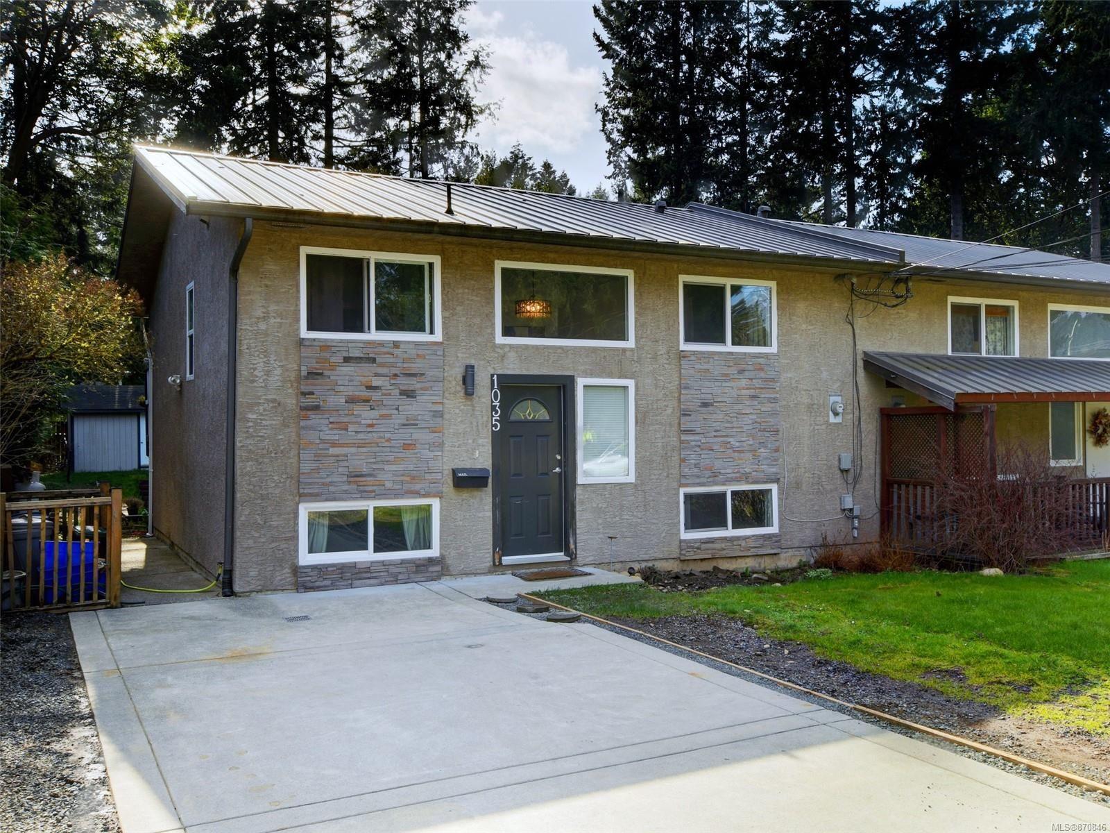 Main Photo: 1035 HASLAM Ave in : La Glen Lake Half Duplex for sale (Langford)  : MLS®# 870846