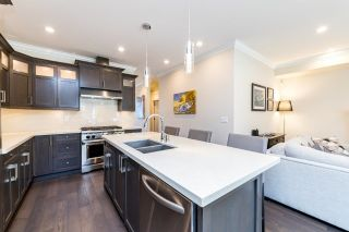 Photo 9: 216 E 20TH Street in North Vancouver: Central Lonsdale House for sale : MLS®# R2594496